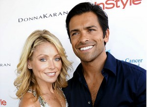 Host Kelly Ripa and hubby Mark Consuelos at Super Saturday
