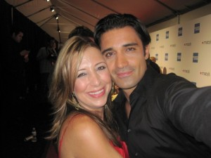 """Red Carpet Roxy and """"Brothers & Sisters"""" star Gilles Marini"""