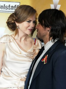 Couple Nicole Kidman and Keith Urban at The Weinstein Company Golden Globes party photo: news ok