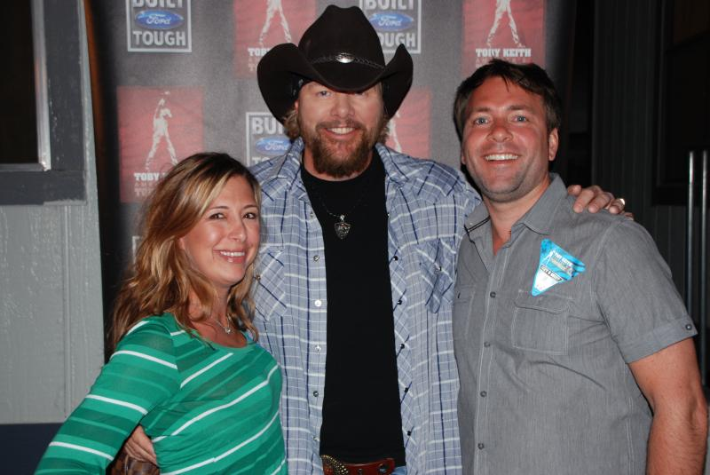 Toby keith and brooks dunn rock the stagecoach festival red red m4hsunfo