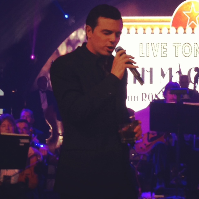 Seth Macfarlane performing at his post-Oscars bash