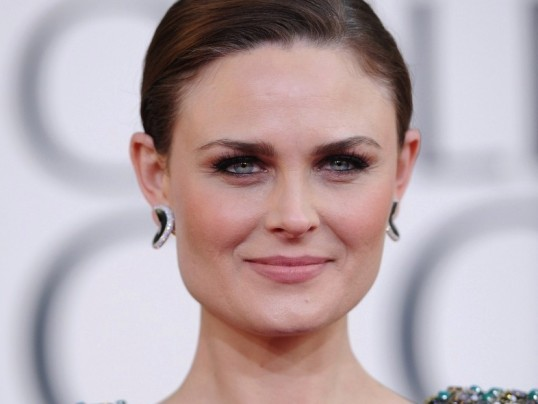 BONES STAR EMILY DESCHANEL TO HOST HSUS VEG APPETIT