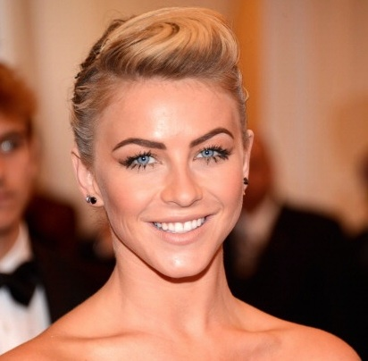 GET THE LOOK: JULIANNE HOUGH'S MET GALA DEWY BEAUTY