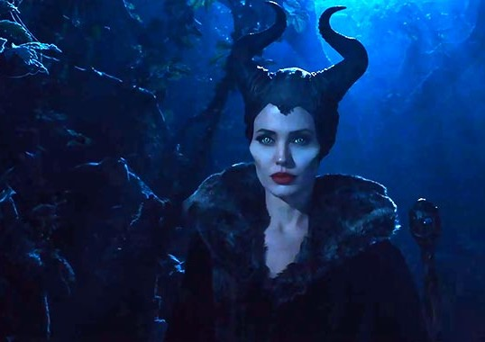 ANGELINA JOLIE AS MALEFICENT IN THE NEWEST TRAILER