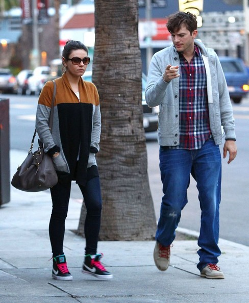 Mila Kunis, Ashton Kutcher, pregnant