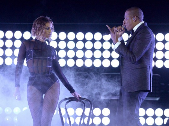 BEYONCE AND JAY-Z PLAN TO TOUR THIS SUMMER TOGETHER!