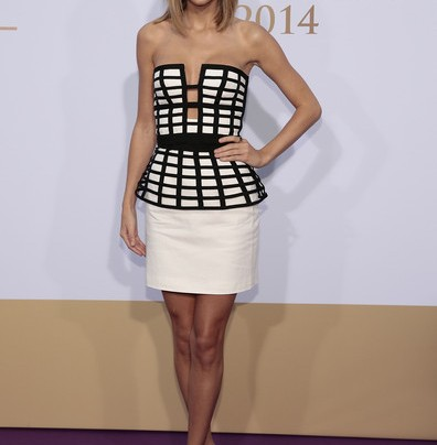 THE EDGIER + SEXIER SIDE OF TAYLOR SWIFT