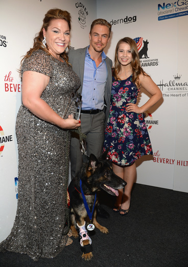 Derek Hough and Bindi Irwin Hero Dog Awards
