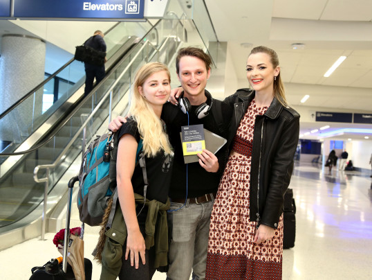 JAIME KING SURPRISES TRAVELERS AT LAX