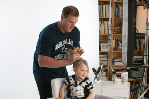 VIDEO: NFL PLAYERS STYLE THEIR DAUGHTERS' HAIR
