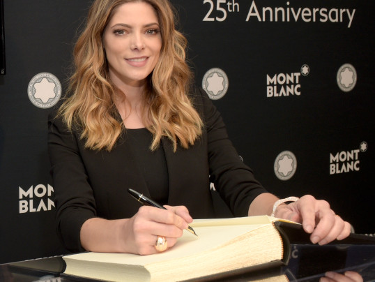 ASHLEY GREENE + BRYCE DALLAS HOWARD TOAST MONTBLANC