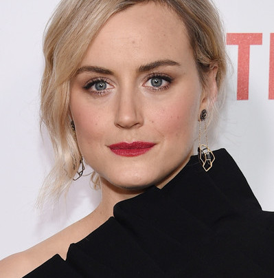 TAYLOR SCHILLING: BLACK IS THE NEW BLACK