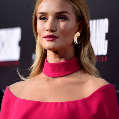ROSIE HUNTINGTON-WHITELEY IN PRETTY IN PINK