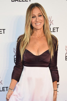 SARAH JESSICA PARKER IN NARCISO RODRIGUEZ