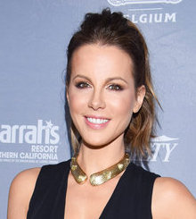 KATE BECKINSALE IN A PLUNGING LBD