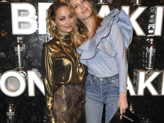 NICOLE RICHIE + SARA FOSTER HAVE A GIRLS NIGHT OUT