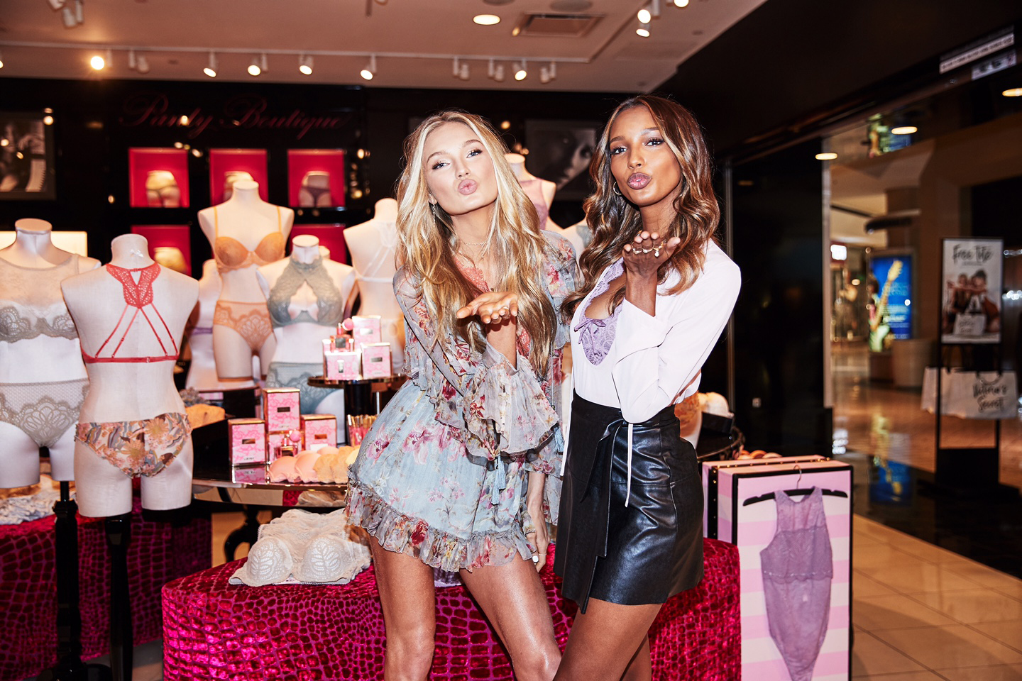 romee strijd and jasmine tookes