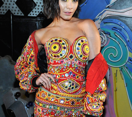 VANESSA HUDGENS IN MOSCHINO