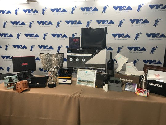 A SNEAK PEEK INTO THE MTV VMAS CELEBRITY GIFT BAG