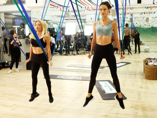 HOW ALESSANDRA AMBROSIO TRAINS FOR VS FASHION SHOW