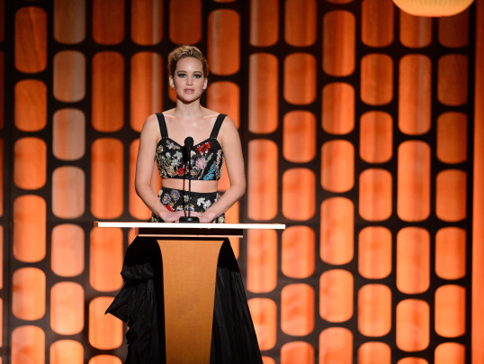 JENNIFER LAWRENCE PRESENTS DONALD SUTHERLAND WITH A GOVERNORS AWARD