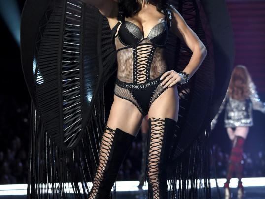 victoria's secret fashion show 2