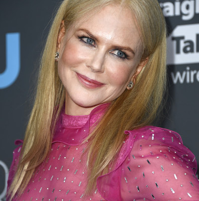 NICOLE KIDMAN IS PRETTY IN PINK