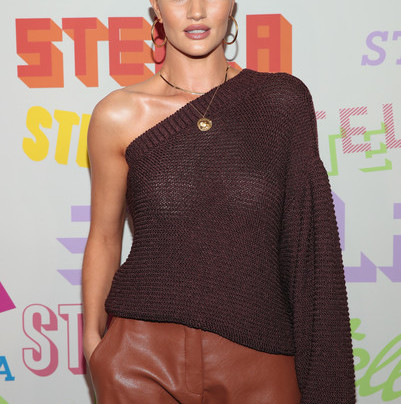 ROSIE HUNTINGTON-WHITELEY IN BROWN VEGAN LEATHER