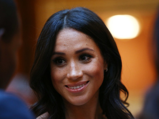 MEGHAN MARKLE'S PRACTICAL SHOE STYLE TIP