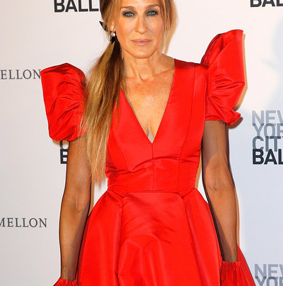 SARAH JESSICA PARKER IS RED PERFECTION