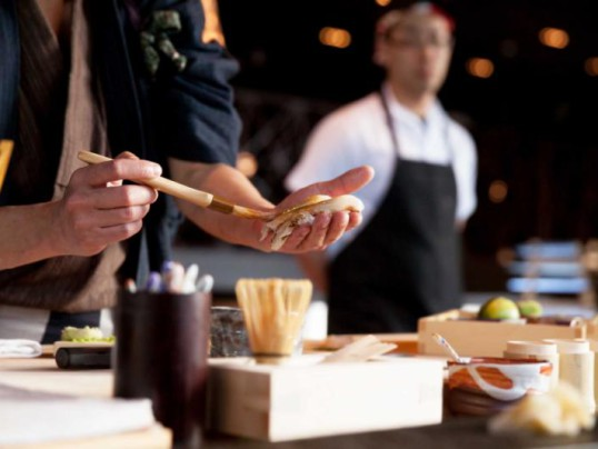 JAPAN'S SUSHI UNIVERSITY FOR TRAVELERS