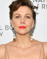 MAGGIE GYLLENHAAL AT THE NBR AWARDS