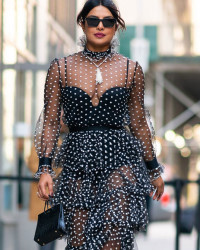 PRIYANKA CHOPRA LOOKING GORG IN NYC